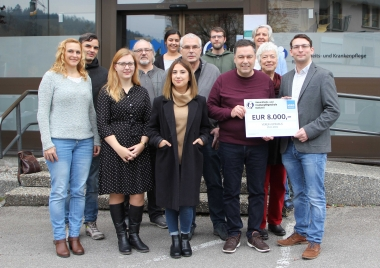 Schülerinnen und Schüler spenden 8.000,- Euro an den Verein Omnibus
